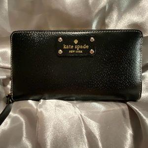 Kate Spade Wellesley Neda Wallet in Black